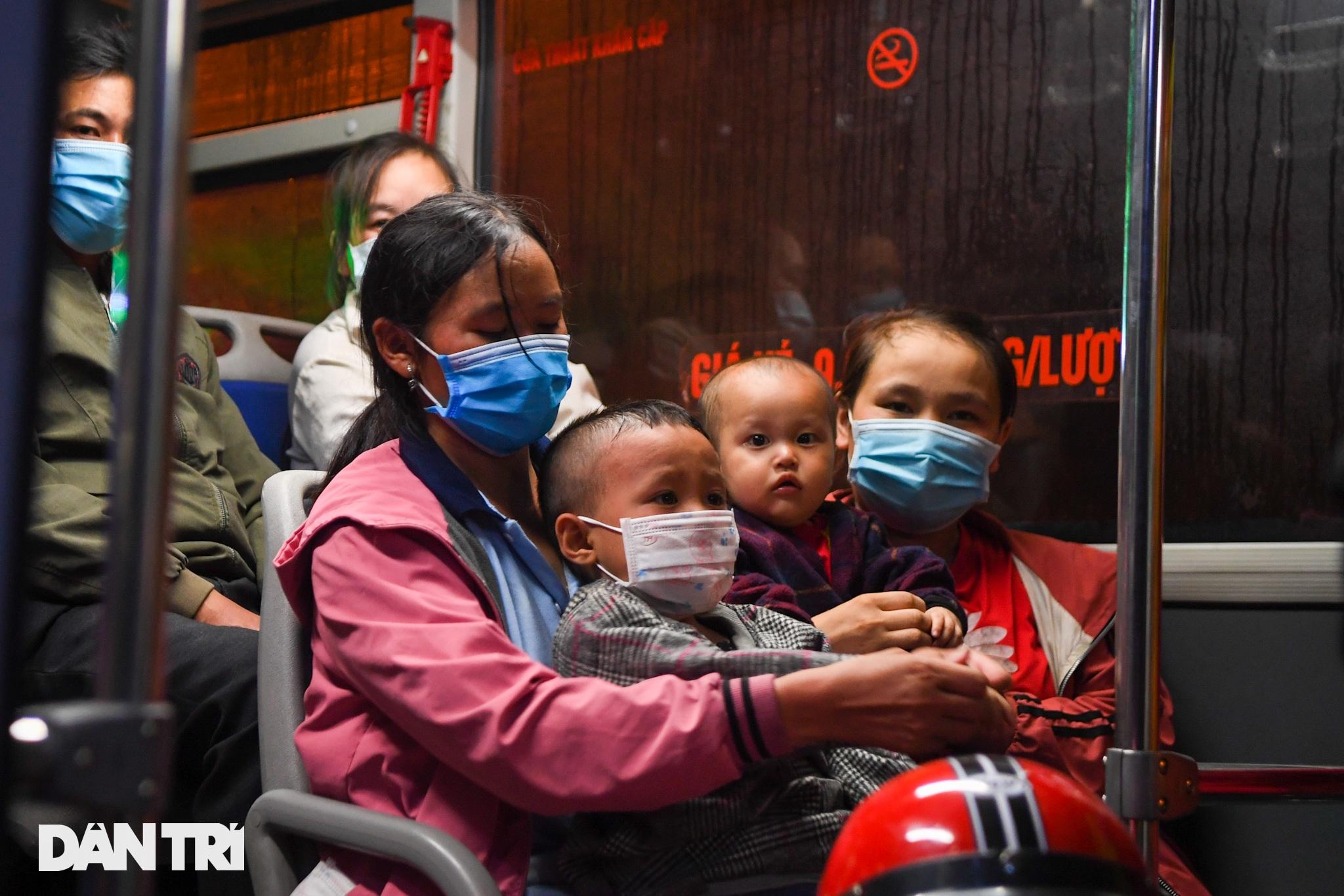 Toàn cảnh các bãi tập kết xe buýt Hà Nội trước ngày dỡ chiếu - 10