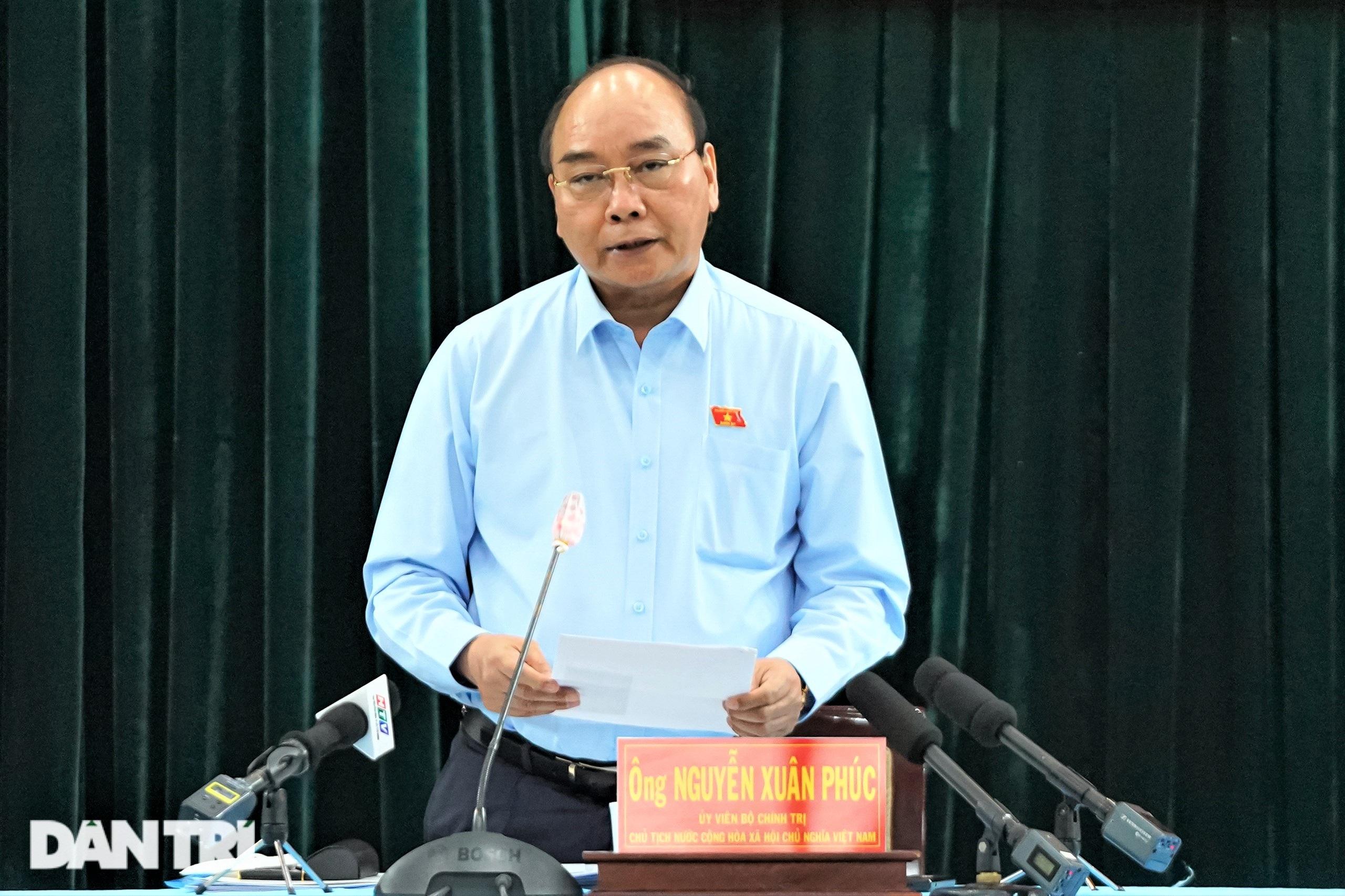 Chủ tịch nước: Nhiệm vụ quan trọng của TPHCM là níu chân người lao động - 6
