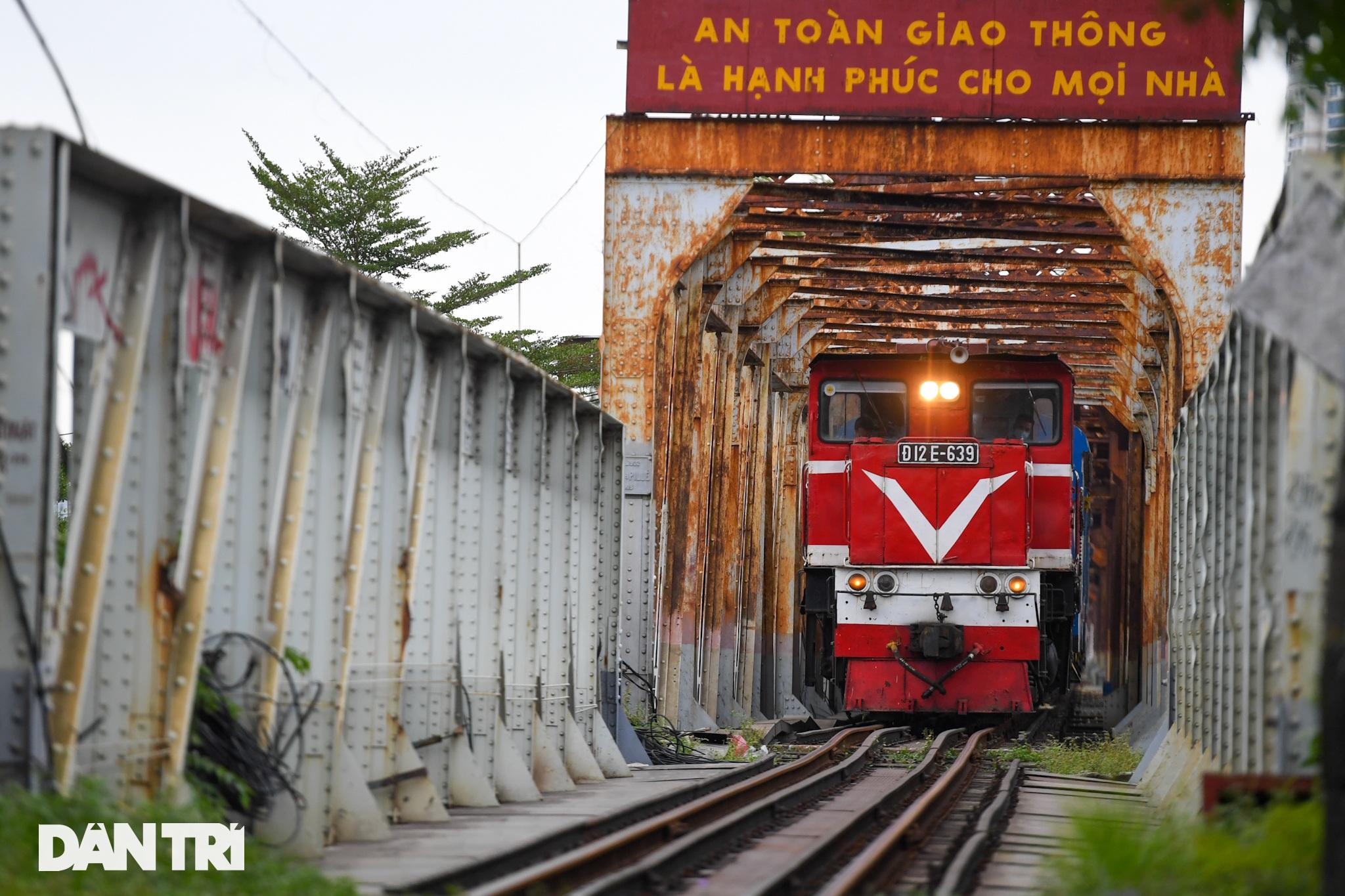 Hà Nội đón chuyến tàu khách đầu tiên đến từ Hải Phòng sau giãn cách - 9