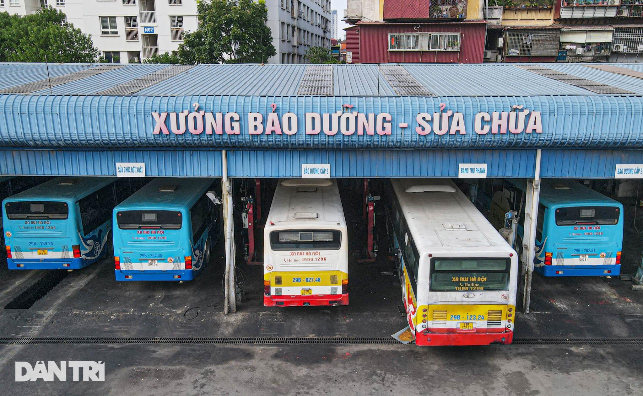 Toàn cảnh các bãi tập kết xe buýt Hà Nội trước ngày dỡ chiếu - 7