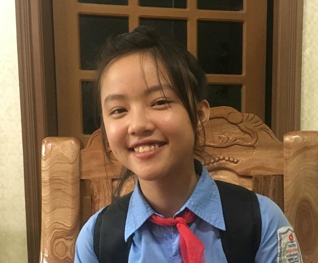 Vượt qua gần 4000 bạn nhỏ, Nguyễn Anh Thư giành giải Nhất cuộc thi Thư gửi mẹ hiền do Huyện đoàn Anh Sơn tổ chức (ảnh Đ. Hà)