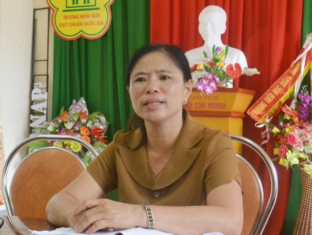 Cô Lê Thị Thu Hà - Hiệu trưởng Trường Mầm non Hưng Thắng trao đổi với PV.