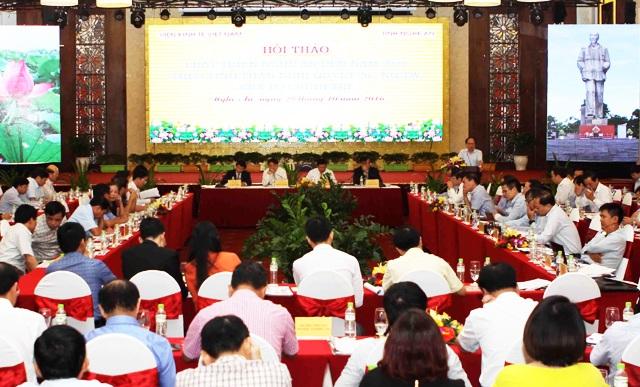 """Gần 100 chuyên gia, nhà kinh tế tham dự hội thảo """"Phát triển kinh tế Nghệ An đến năm 2020 theo tinh thần Nghị quyết 26 của Bộ Chính trị"""""""