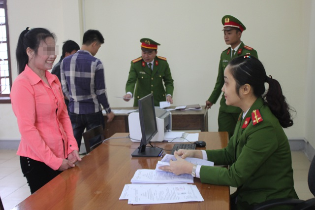 Niềm vui của nữ phạm nhân Phạm Thị L. trước khi được trở về với gia đình.