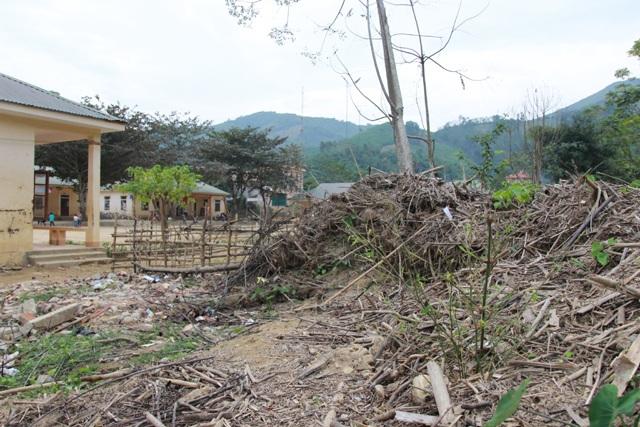 Sau 3 tháng, dấu tích của cơn lũ quét rạng sáng ngày 14/9 vẫn còn hiện hữu ở ngôi trường vùng cao này.