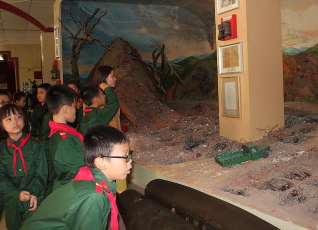 Khám phá tọa độ lửa ngã ba Đồng Lộc qua sa bàn.