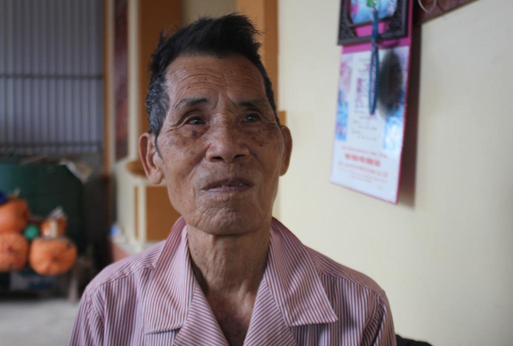 Ông Phan Văn Yên - bố chồng chị Thanh cho biết, ban đầu gia đình rất lo lắng cho khẩu vị có phần kỳ lạ này của con dâu. Tuy nhiên, 15 năm qua, chị Thanh vẫn sống chung ổn định với bệnh tim dù hầu như không ăn cơm hay thức ăn.