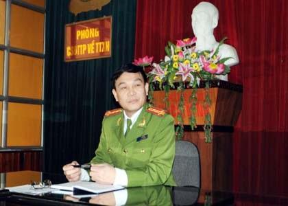 Hai bị can Linh Thị Kiều và Đỗ Thanh Tùng trong vụ án giết đại gia chè