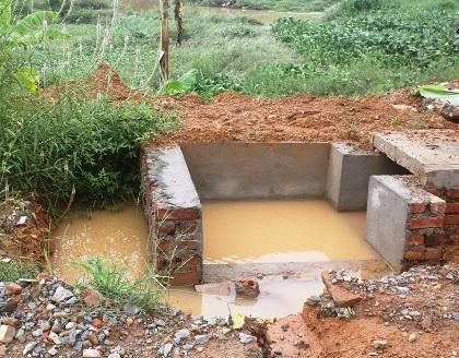 Hố nước công trình nơi xảy ra vụ tai nạn thương tâm.