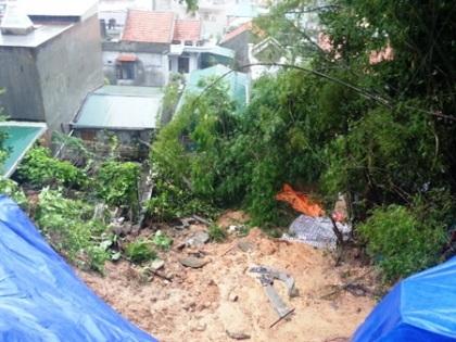 Mưa lớn gây sạt lở nghiêm trọng tại TP Hạ Long.