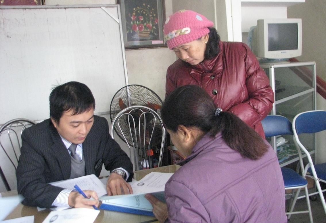 Buổi tư vấn pháp luật của các luật sư Liên đoàn LSVN thu hút nhiều sự quan tâm của bà con vùng cao
