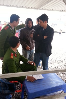 Công an TP Hưng Yên đang ghi nhận lời khai từ các nhân chứng sau vụ hoả hoạn