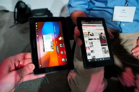 "Amazon Kindle Fire ""so dáng"" BlackBery PlayBook - 1"