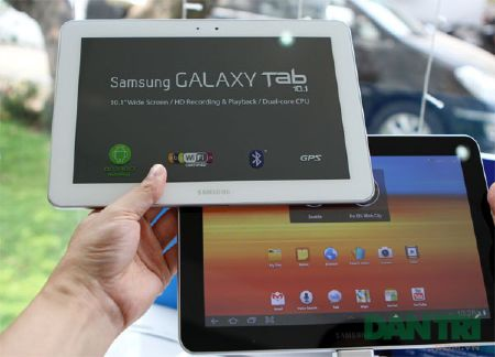 """Đập hộp Galaxy Tab 10.1 """"độc"""" tại Việt Nam - 12"""