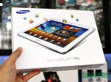 """Đập hộp Galaxy Tab 10.1 """"độc"""" tại Việt Nam - 1"""