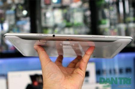 """Đập hộp Galaxy Tab 10.1 """"độc"""" tại Việt Nam - 7"""