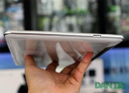 """Đập hộp Galaxy Tab 10.1 """"độc"""" tại Việt Nam - 9"""