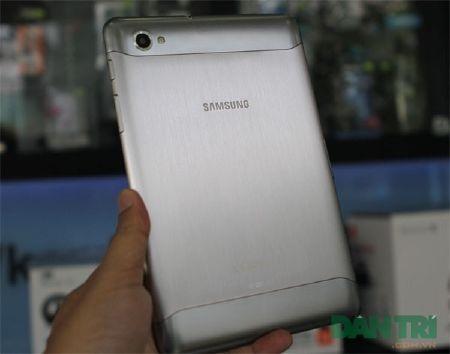 Đập hộp Galaxy Tab 7.7 chính hãng giá 15,5 triệu đồng - 10