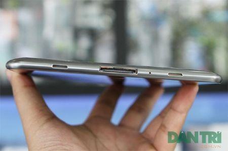 Đập hộp Galaxy Tab 7.7 chính hãng giá 15,5 triệu đồng - 9