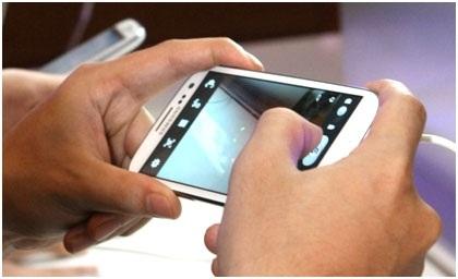 Điện thoại Galaxy S III ra mắt người dùng Việt Nam