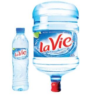 Người trưởng thành cần uống 1,5 lít nước mỗi ngày