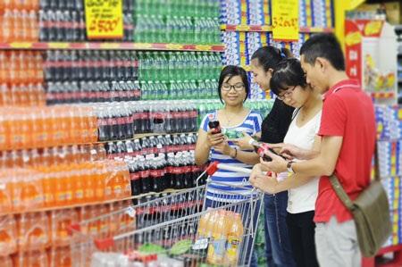 Người tiêu dùng tin dùng sản phẩm Coca-Cola tại các kênh mua sắm hiện đại