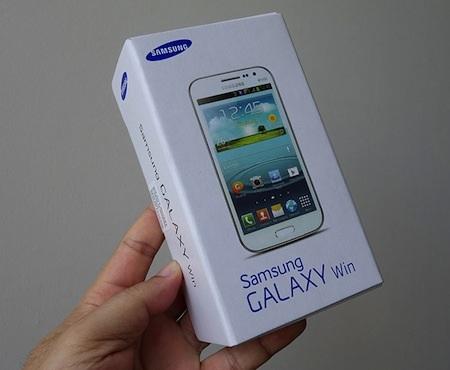 Hộp đựng quen thuộc của các dòng điện thoại Galaxy.
