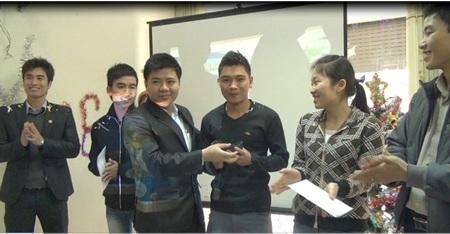 """Trao giải iPhone 5 cuộc thi """"Đường đua trí tuệ"""" vào lúc 11h:11phút ngày 12/12/2012"""
