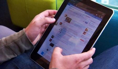 Facebook nhảy vào thị trường phát tin trên di động