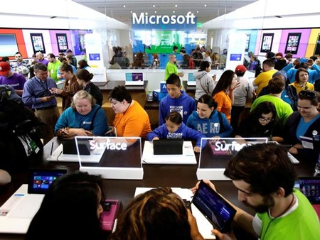 Microsoft bốc hơi 32 tỷ USD chỉ trong 1 ngày