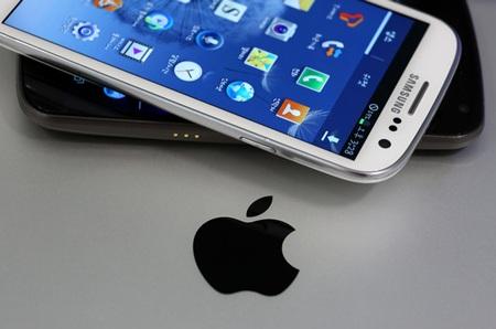 Đến lượt Apple tìm cách cấm Samsung bán hàng trên đất Mỹ