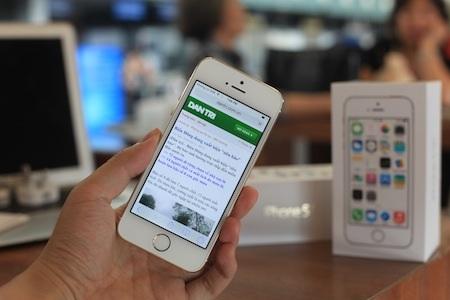 iPhone 5S đã về Việt Nam chỉ sau vài tiếng bán ra thị trường.