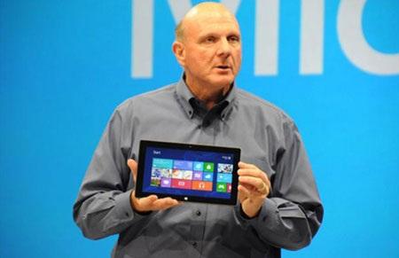 CEO Steve Ballmer trong lễ ra mắt máy tính bảng Surface.