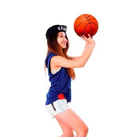 Mũ bóng chày truyền thống được sử dụng là một phần trong bộ đồng phục của bộ môn thể thao này