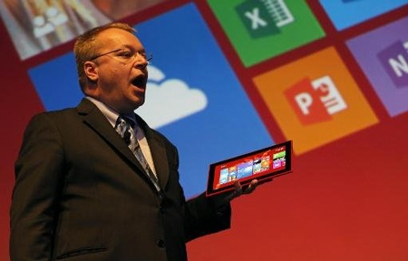 Cựu CEO Stephen Elop của Nokia trong sự kiện ra mắt sản phẩm tại Nokia World.