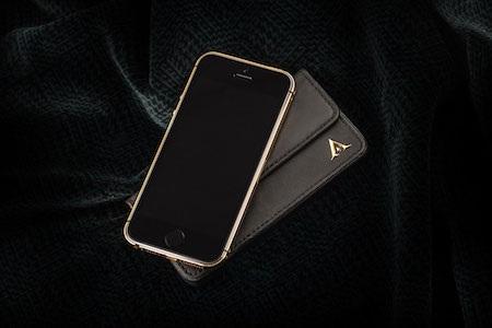 Nút Home vẫn được giữ nguyên để tránh ảnh hưởng đến tính năng nhận diện vân tay.