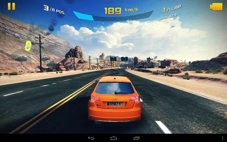 Game Asphalt 8 chơi khá nhạy và mượt mà trên Yoga Tablet 10