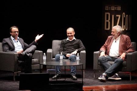 Hà Đông tọa đàm với David Kushner (trái) và Nolan Bushnell (Nguồn: Zimbio)