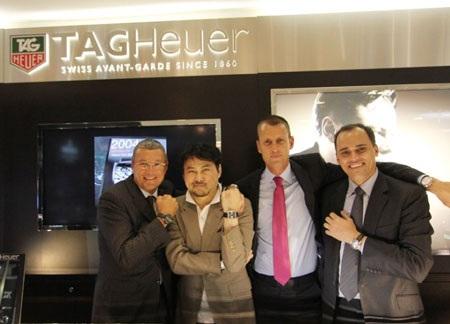 Phó Tổng giám đốc kinh doanh và bán lẻ của Tag Heuer đầu quân cho Apple vì dự án iWatch.
