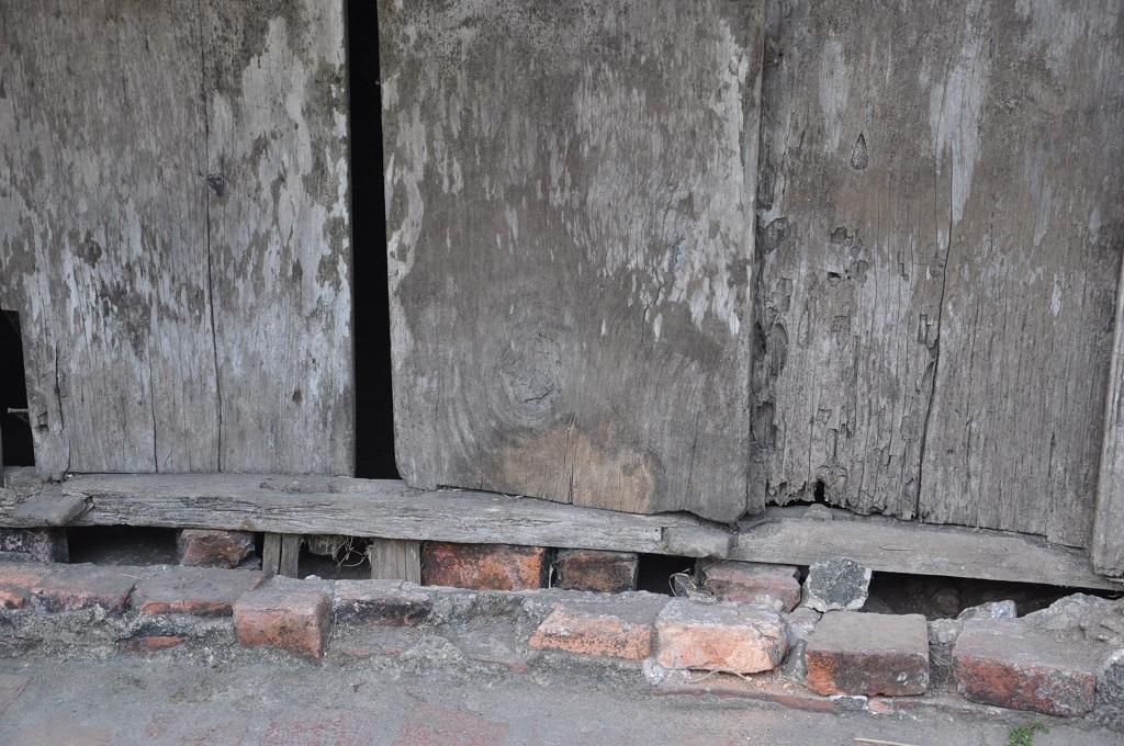 Những hình ảnh ngôi nhà bị hư hại nghiêm trọng củaanh Sổng.