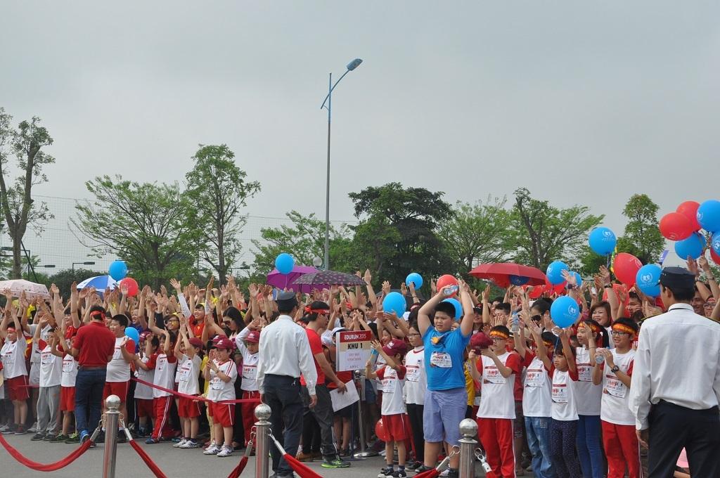 Chương trình thu hút đông đảo mọi người tham gia.