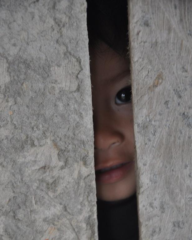 Để cánh cửa tương lại không đóng sập lại trước mắt các em như ông bà, bố mẹ.