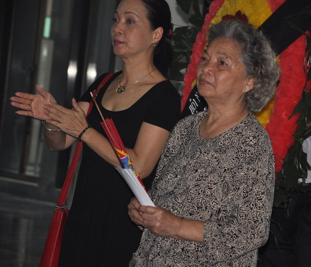 Nhạc sĩ Đỗ Hồng Quân và vợ