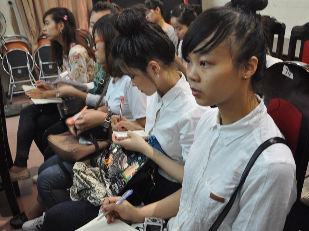 Hội thảo thu hút nhiều bạn sinh viên đến từ các trường ĐH trên địa bàn Hà Nội.