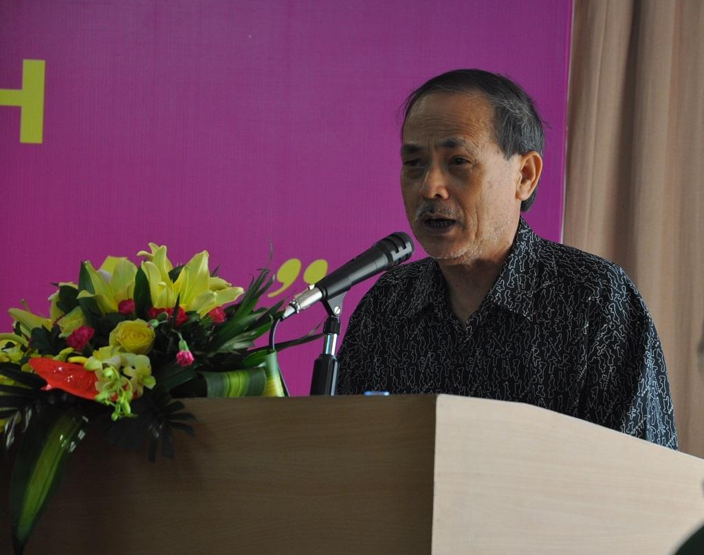 Nhà văn Y Phương.