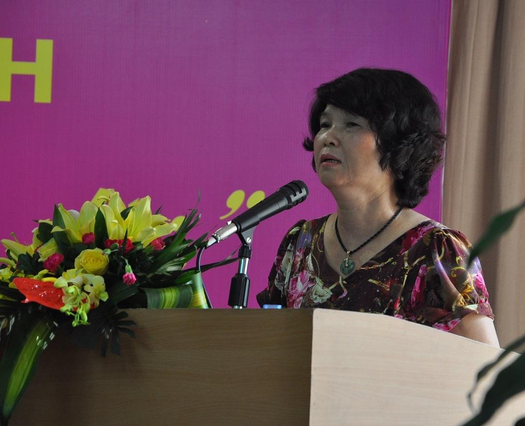 Nhà văn Trần Thị Trâm không khỏi tự hào.