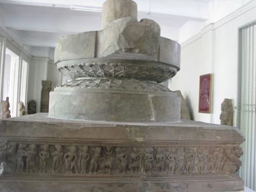 Đài thờ Trà Kiệu là một đài thờ hoàn thiện gồm