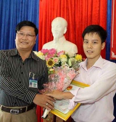 Anh Phương được UBND quận Liên Chiểu khen thưởng vì hành động dũng cảm của mình