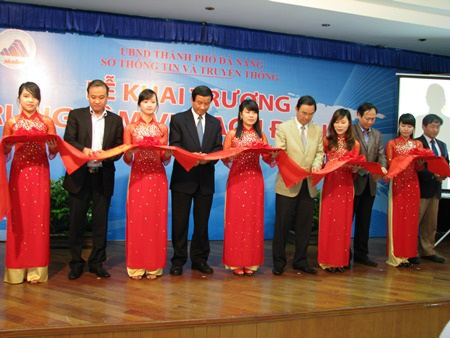 Lễ cắt băng khai trương Trung tâm vi mạch Đà Nẵng
