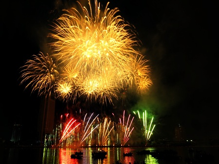 Đà Nẵng bắn 2.000 quả pháo hoa vào đêm giao thừa Tết Giáp Ngọ